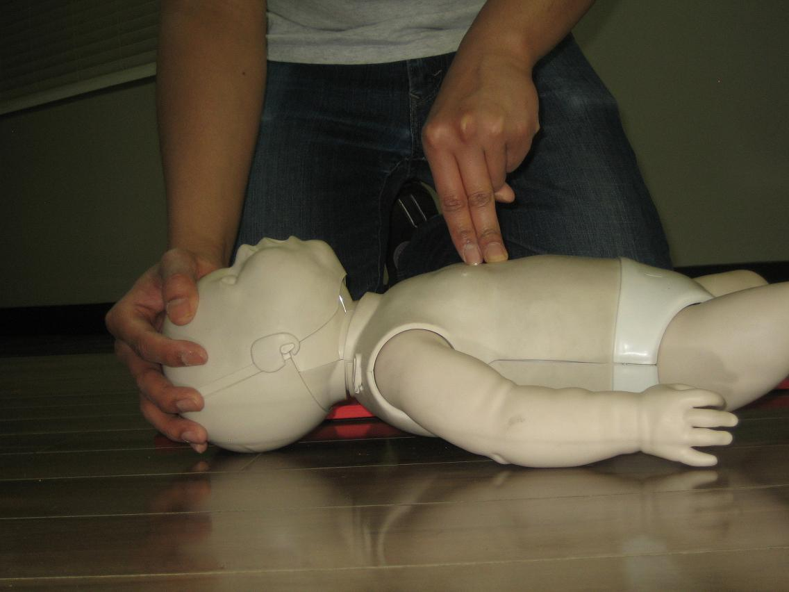 Kelowna workplace approved first aid and cpr certification first aid and cpr courses in kelowna xflitez Images